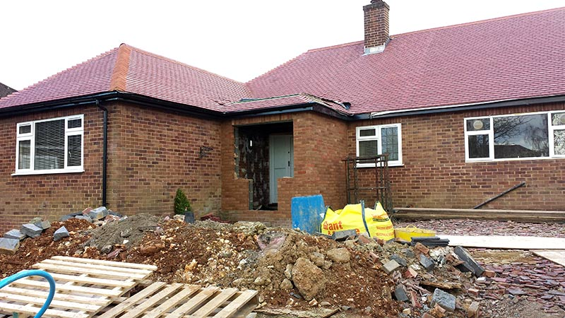 Bungalow extension dr construction ltd for Porch designs for bungalows uk